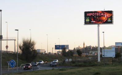 valla-digital-publicidad-sevilla-ipunto-monoposte-digital-led 2